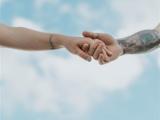 水瓶座一见钟情的恋爱能坚持多久